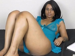 Horny Lily Foot Bustle