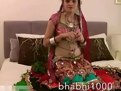 Gujarati Indian College Toddler Jasmine Mathur Garba Dance and Like one another Bobbs