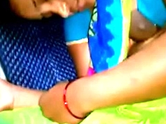 VID-20160301-PV0001-Ponmalai (IT) Tamil 29 yrs old seconded beautiful, hot and sexy housewife aunty Mrs. Sujatha nipp seen absent out of one's mind her co passenger secretly, after she breastfeeding her 6 months babe in arms and slept in &lsquo_KSV Travels&rsquo_ bus sex video-02
